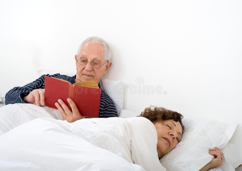 para łóżkowy senior zdjęcie royalty free
