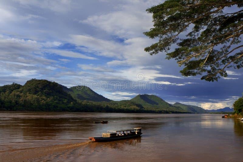 Para baixo rio de Mekong fotografia de stock royalty free