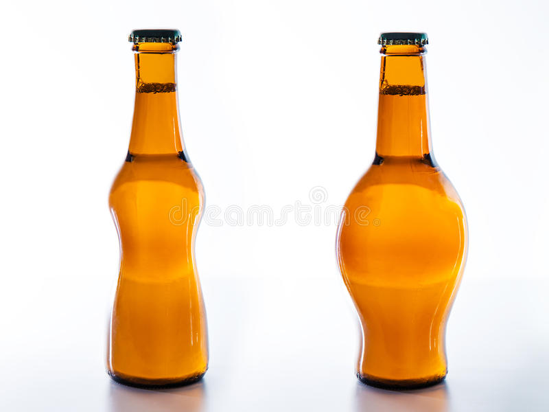 Para beber a engorda ou o emagrecimento da cerveja? imagens de stock