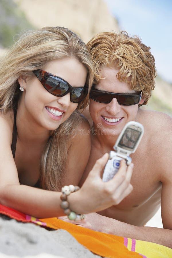 Para Bierze autoportret Na plaży zdjęcia royalty free