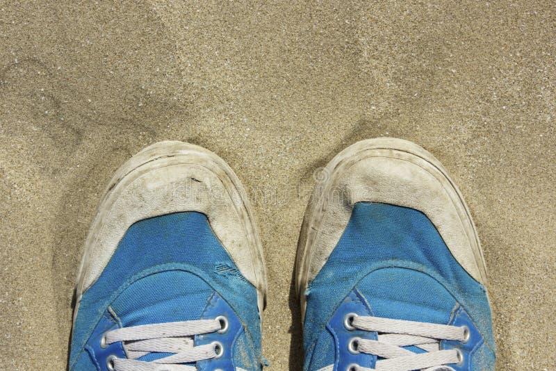 Para buty na piasku obrazy royalty free