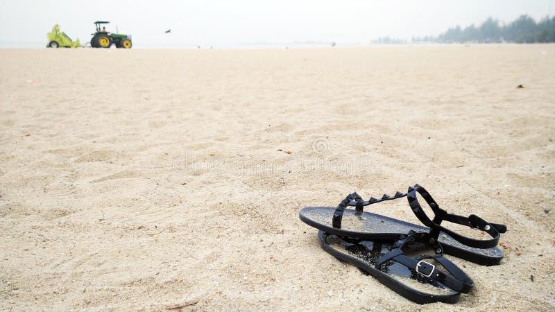 Para buty na piasku fotografia stock