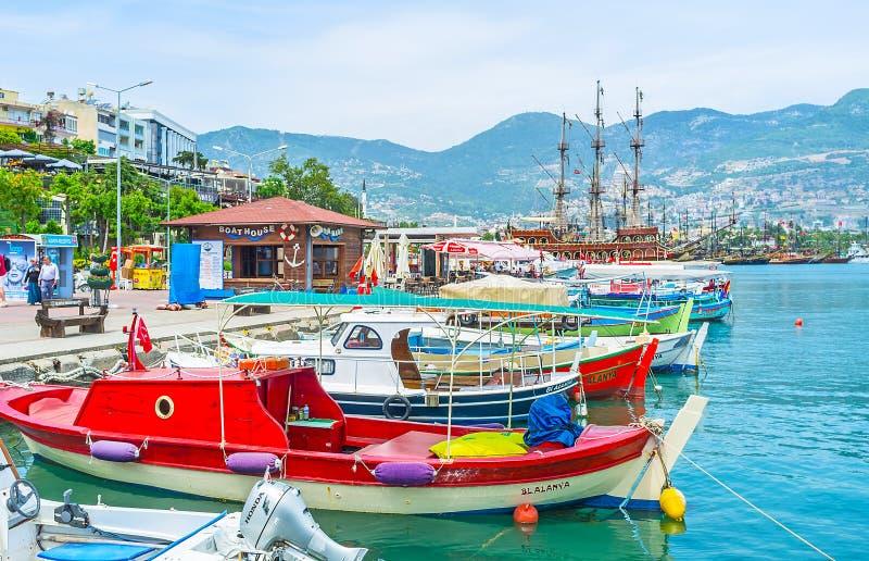 Para contratar o barco em Alanya fotos de stock royalty free