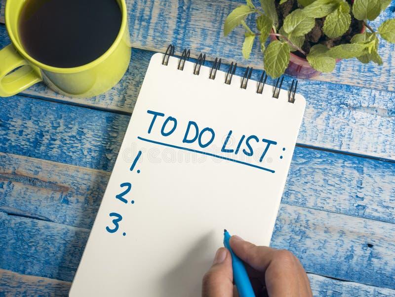 Para hacer la lista, concepto de motivación de las citas de las palabras del horario del negocio imagen de archivo