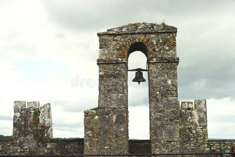 Para quién los peajes de la campana de la torre imágenes de archivo libres de regalías