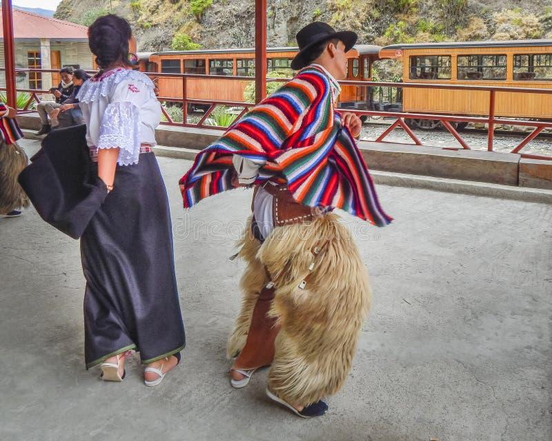 Para Tanczy Tradycyjnego Ekwadorskiego Miejscowego tana fotografia stock