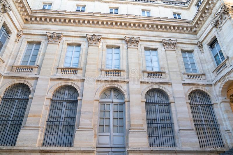 Para trás atrás do teatro grande no Bordéus francês da cidade foto de stock