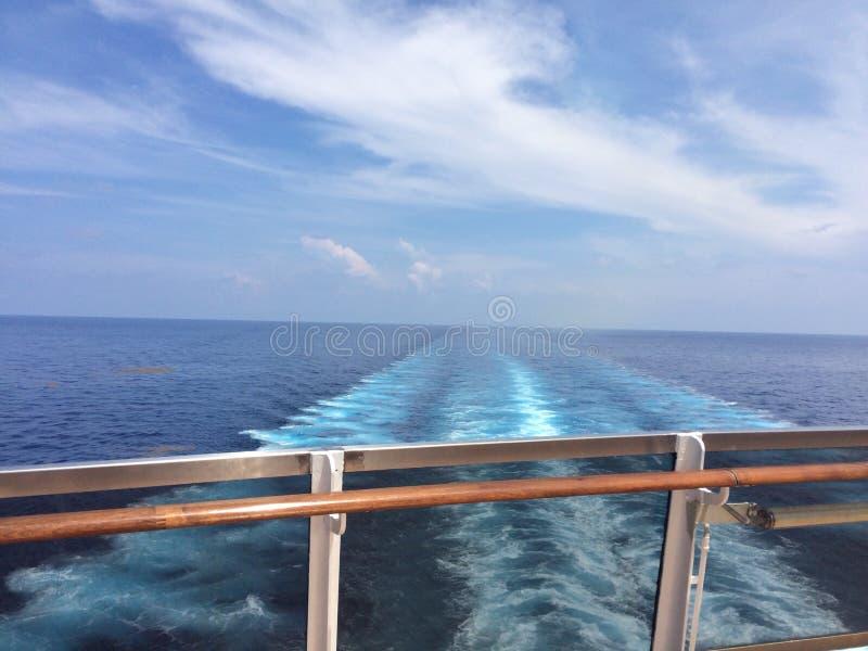 Para trás do navio de cruzeiros foto de stock royalty free