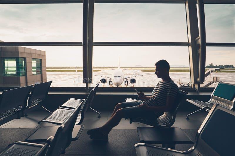 Para vuelo que espera imagenes de archivo