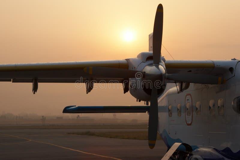 Para vuelo que espera plano a Lukla, Nepal imagen de archivo libre de regalías