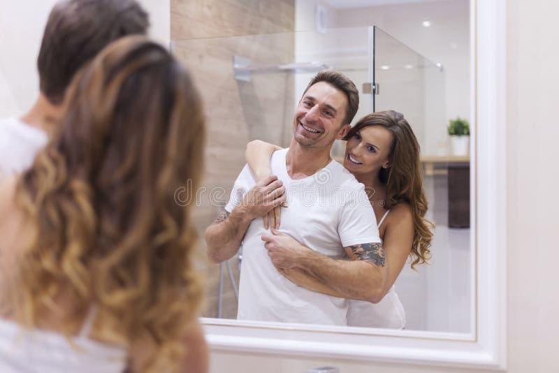 Para w łazience zdjęcia royalty free