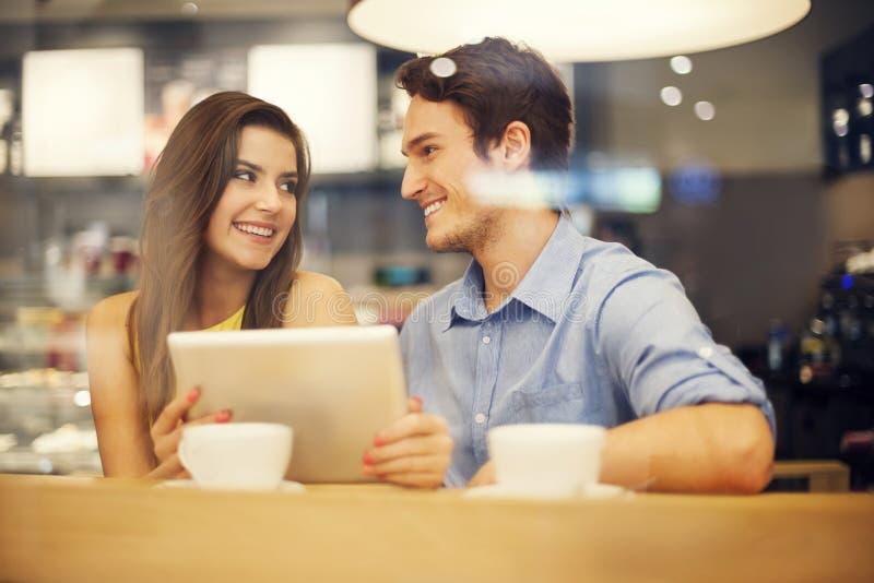 Para w kawiarni obraz stock