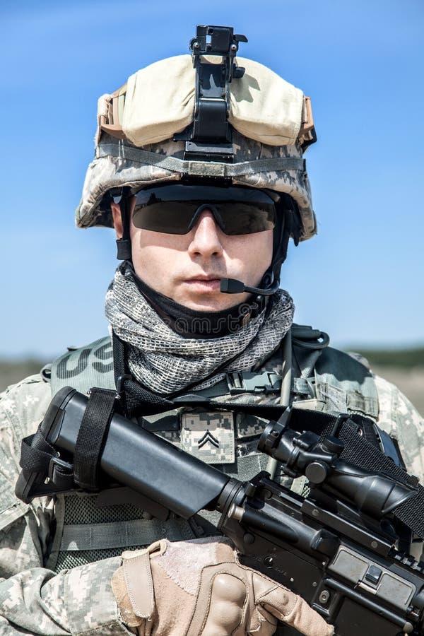 Download Paracadutista Degli Stati Uniti Fotografia Stock - Immagine di faccia, osservare: 55352660