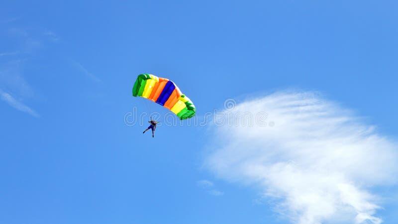 Paracaidista o skydiver imagen de archivo libre de regalías