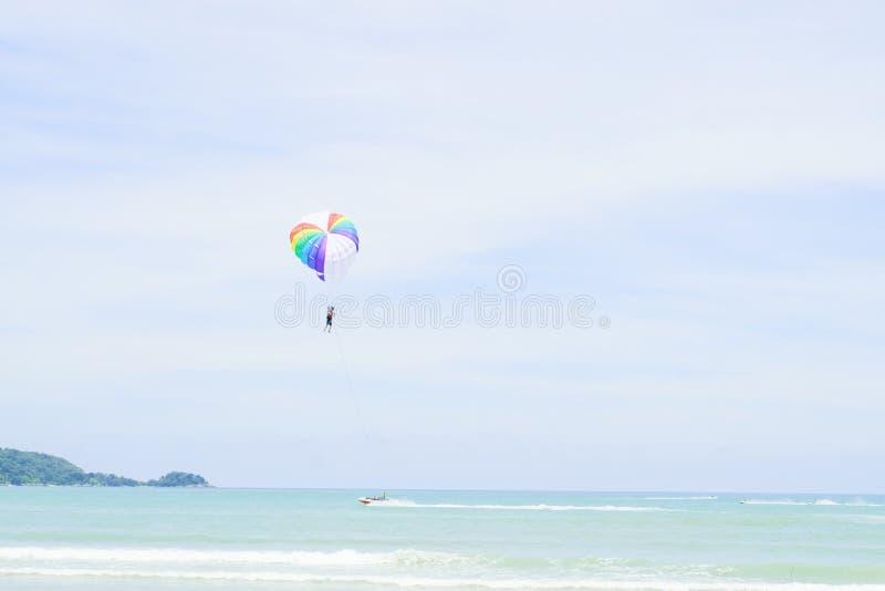 parachute royaltyfri foto