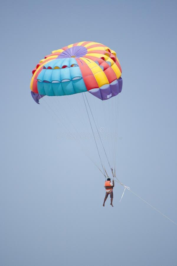 parachute royaltyfri bild