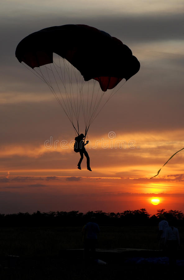 Parachutist fotos de stock royalty free