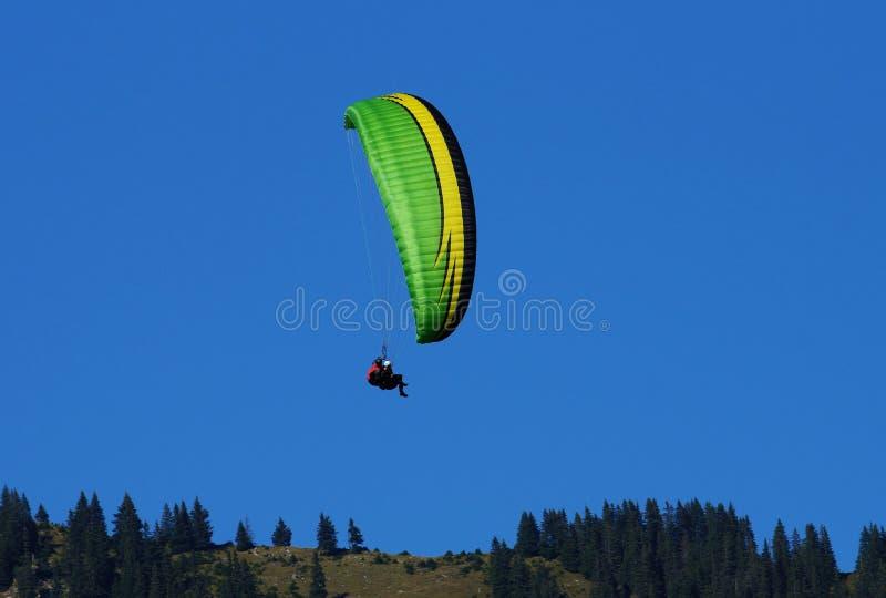 parachutists стоковое изображение