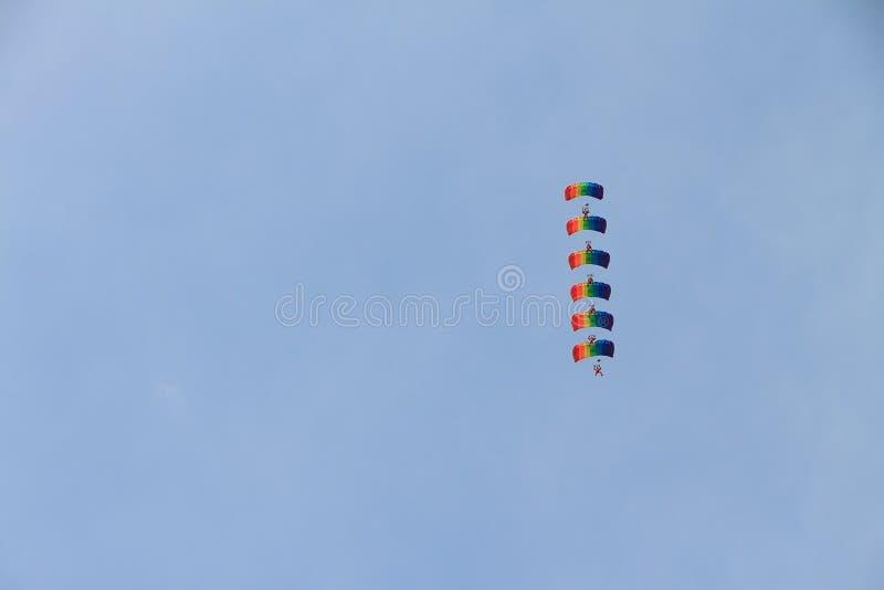 parachutists immagine stock libera da diritti