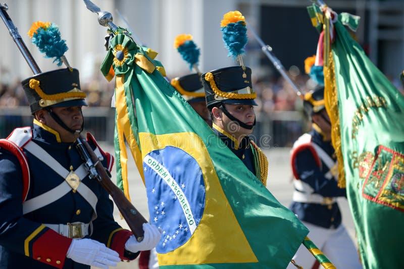 parada cívica militar que comemora a independência de Brasil imagens de stock