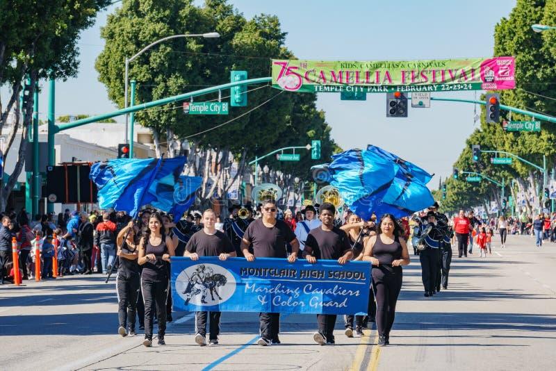 Parada da banda de High School de Montclair em Camellia Festival fotos de stock