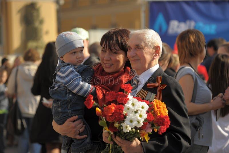 Download Parada da vitória foto editorial. Imagem de idoso, soldado - 26504576