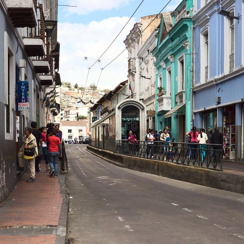 Parada de autobús de carretilla Plaza del Teatro en Quito, Ecuador fotos de archivo