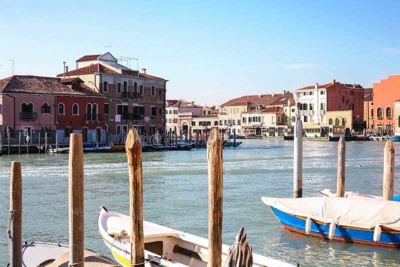 Parada de autobús del agua del vaporetto de Murano Museo en Venecia imagen de archivo