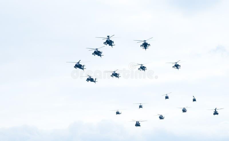 Parada de Ohi Day da tecnologia militar do ar em Tessalónica foto de stock