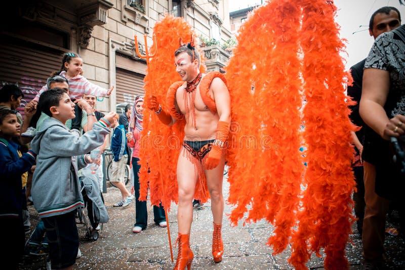 Parada de orgulho alegre em Milão em junho, 29 2013 imagens de stock royalty free