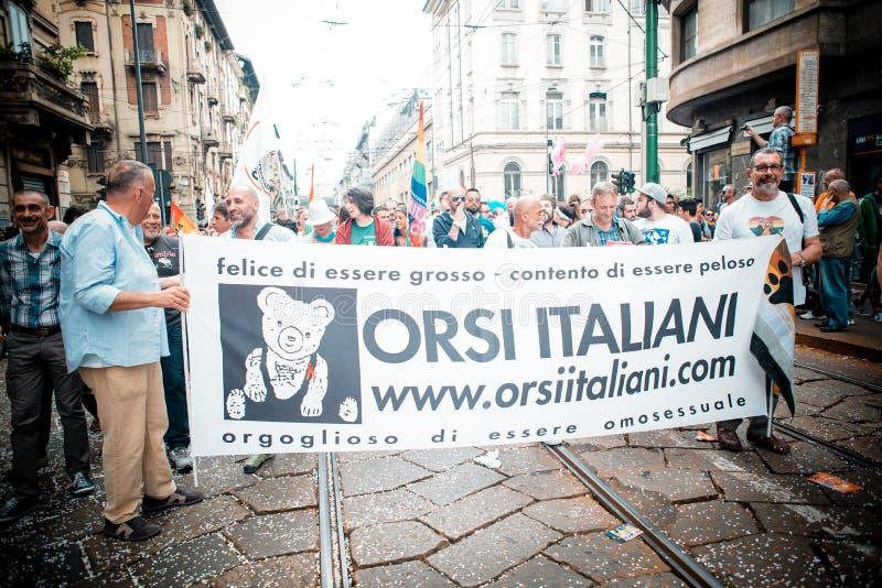 Parada de orgulho alegre em Milão em junho, 29 2013 foto de stock royalty free