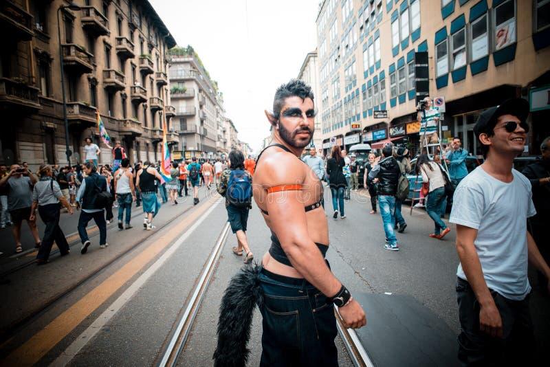 Parada de orgulho alegre em Milão em junho, 29 2013 fotografia de stock
