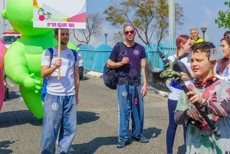 Parada de Purim Adloyada, em Nesher foto de stock royalty free