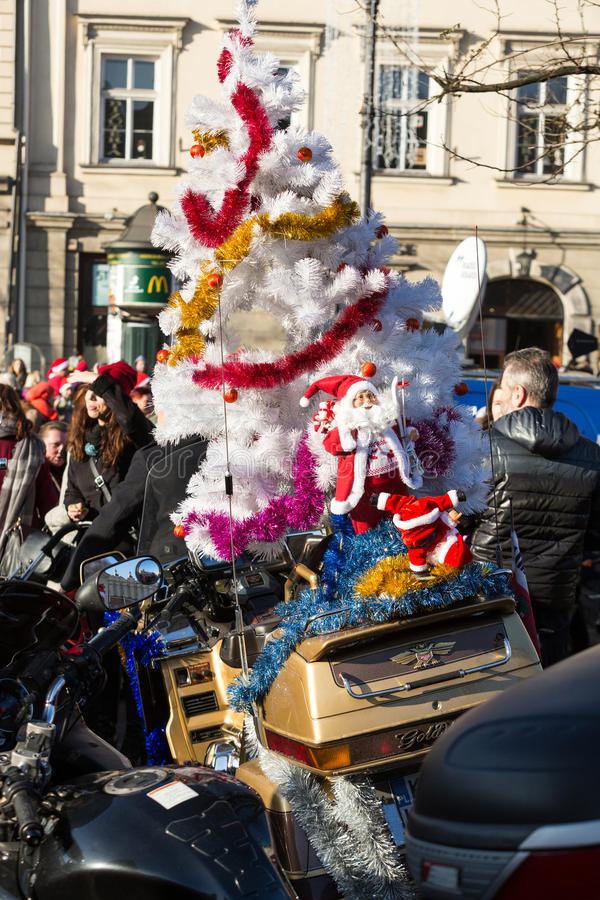a parada de Santa Clauses em motocicletas foto de stock royalty free