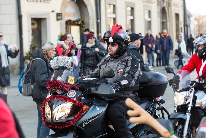 a parada de Santa Clauses em motocicletas fotos de stock