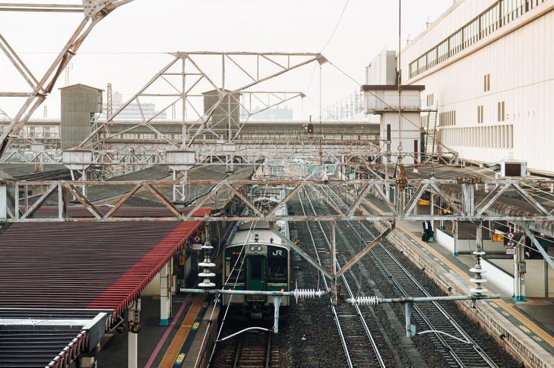 Parada do comboio JR Commuter na estação de Koriyama Imagem de visualização aérea imagens de stock royalty free