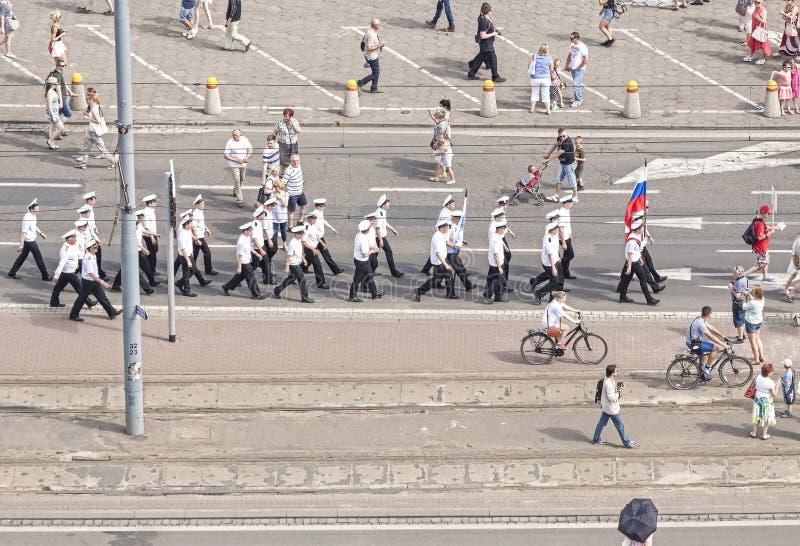 Parada do grupo de navio da navigação de Sedov fotos de stock
