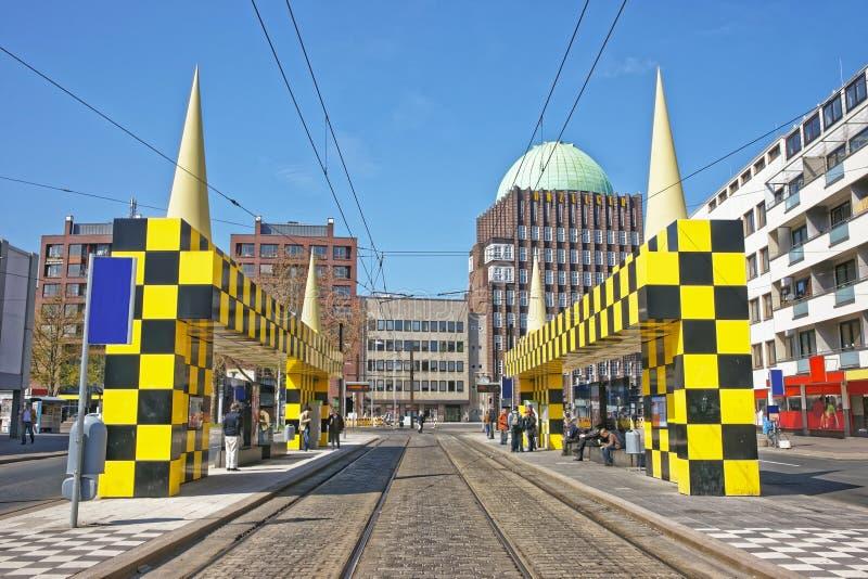 Parada do ônibus Steintor em Hanover em Alemanha imagem de stock royalty free