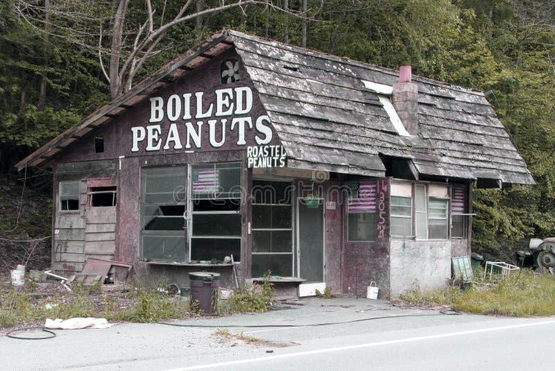 Parada hervida abandonada de los cacahuetes fotografía de archivo