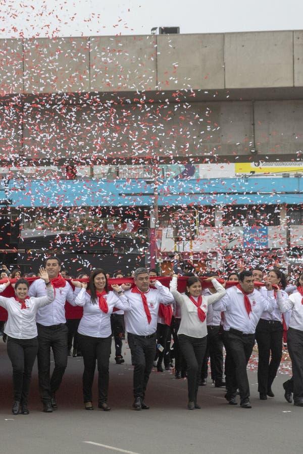 Parada ludzie dla powodu Peruwiański dzień niepodległości fotografia royalty free