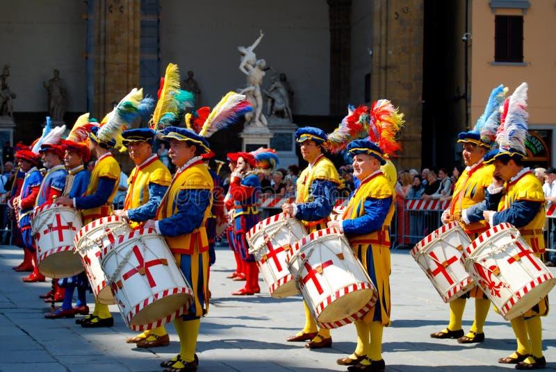 Parada medieval do traje em Florença, Itália imagens de stock royalty free