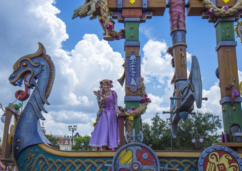Parada Peter Pan de Orlando Florida Magic Kingdom do mundo de Disney foto de stock
