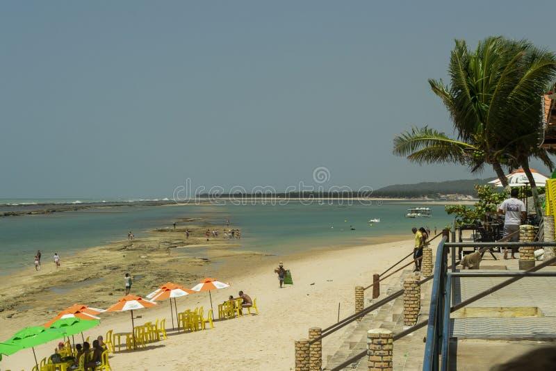 Paradas de la comida en la playa de Barra de São Miguel fotos de archivo libres de regalías