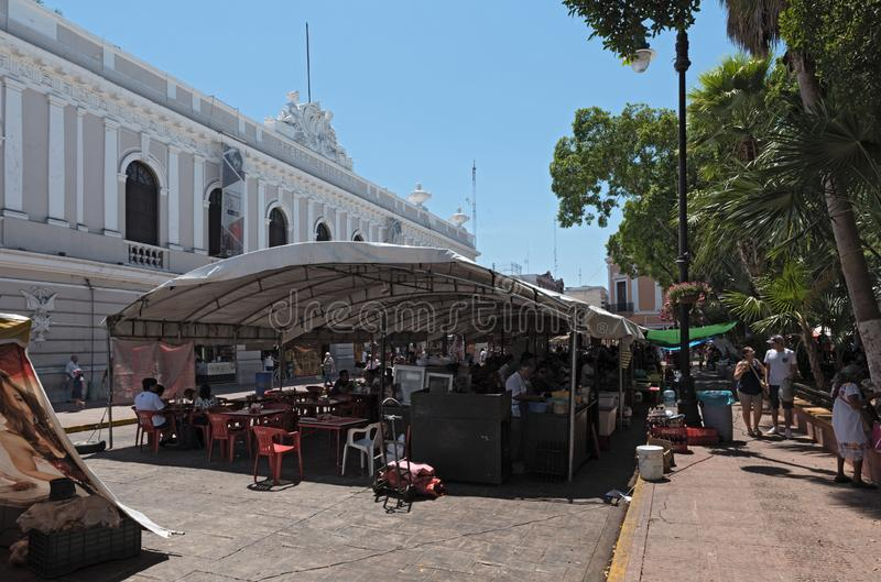 Paradas en el festival de la calle en la plaza de la Independencia t fotografía de archivo libre de regalías