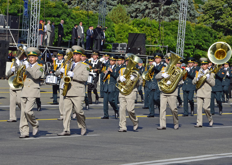 Download Parade 18 editorial photography. Image of independence - 20924547