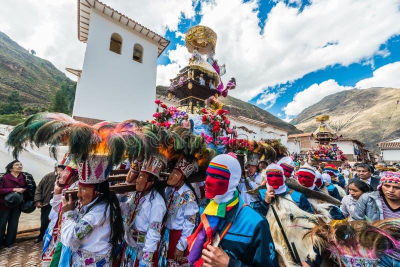 Parade peruanische Anden Pisac Peru Virgen Del Carmen lizenzfreies stockfoto