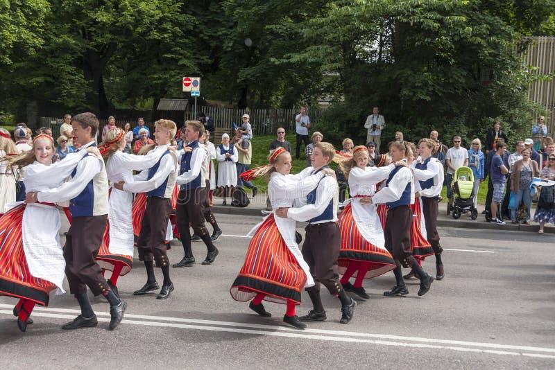Parade van Estlands nationaal liedfestival in Talli royalty-vrije stock fotografie