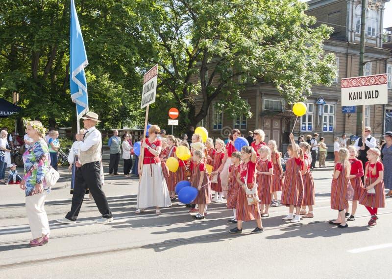 Parade van Estlands nationaal liedfestival in Tallinn, Estland stock foto