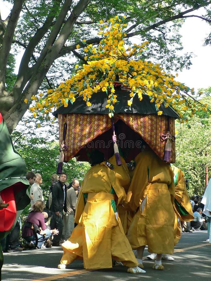 Parade van traditioneel Aoi-festival, Kyoto Japan stock foto's
