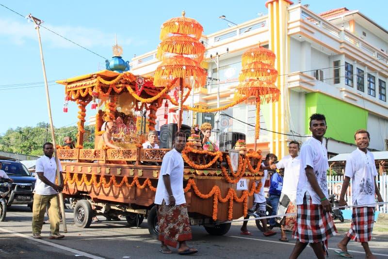 Paradefloss von Hasen Krishna von Bali stockbilder